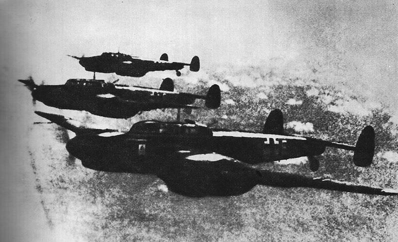 Фашистская авиация обрушила свой
