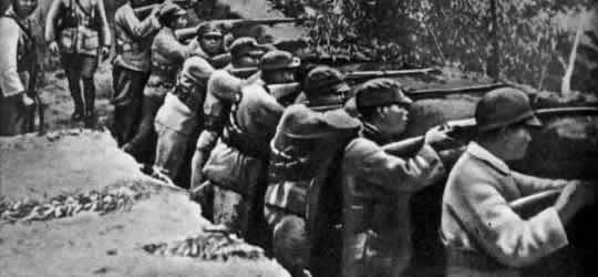 Китайские солдаты на оборонительном