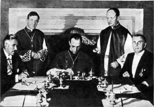 папа пий 2 встреча с гитлером сгорают своем