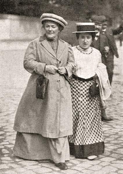 Клара Цеткин и Роза Люксембург в 1910 году на конференции