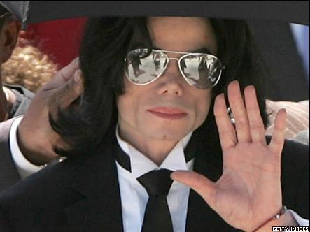 Посмертный альбом Майкла Джексона возглавил хит
